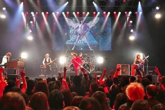 LAZY「宇宙船地球号」完全再現ライブ・レポート@東京EX THEATER ROPPONGI