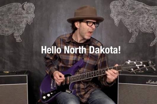 """ポール・ギルバートが新作「WEREWOLVES OF PORTLAND」から""""Hello North Dakota!""""のMVを公開!"""