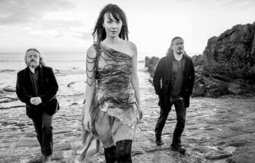 NIGHTWISHのツォーマス・ホロパイネンのサイド・プロジェクトAURIが9月にニュー・アルバムを発表!