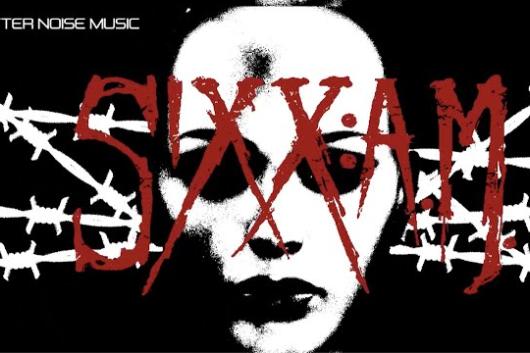 """ニッキー・シックス率いるSIXX:A.M.が未発表音源6曲入りのベスト盤を10月にリリース! 同作から""""Skin(rock mix)""""のMVを公開中!"""