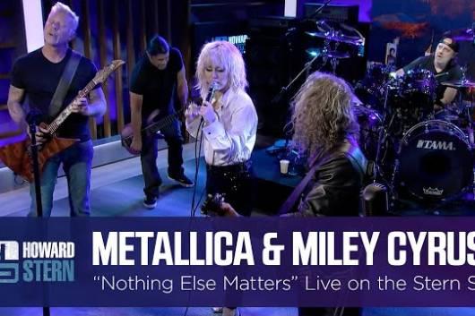 "METALLICAとマイリー・サイラスによる""Nothing Else Matters""共演ライヴの映像も公開!"
